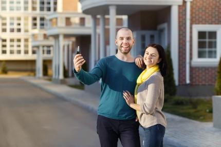 זוג שרכש דירה מקבלן