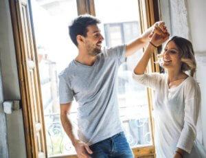 זוג צעיר בדירה ממחיר למשתכן עפולה